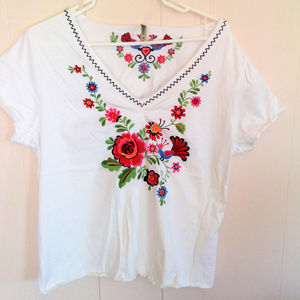 White Stag Embroidered Floral Shirt Sz XL